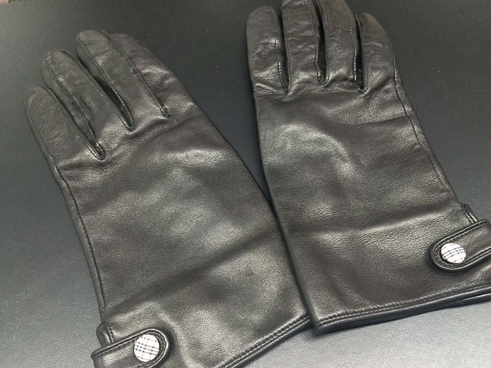 バーバリー BURBERRY 手袋 レザー 黒 ブランド小物